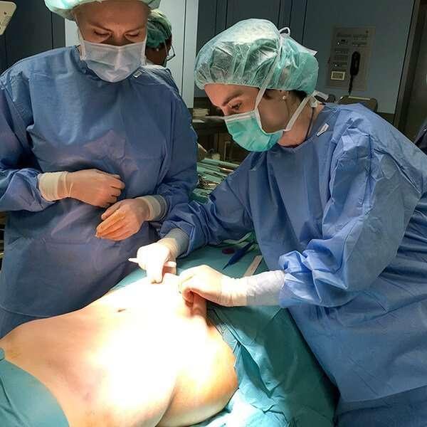 doctora salvador abdominoplastia
